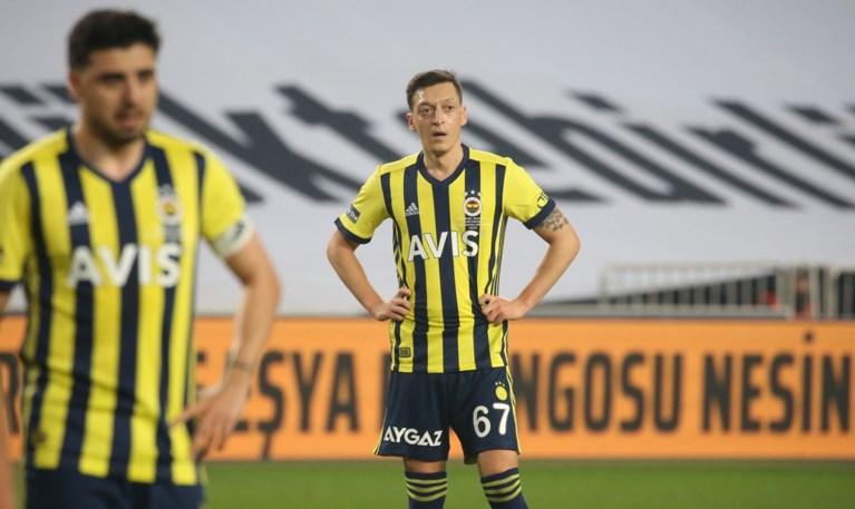 Bizarre oorlog tussen Turkse topclub en tv-zender: van gemanipuleerde beelden tot verkeerd getimede tikfout