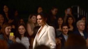 Ooit het wonderkind van de modewereld, nu zwaar in de problemen: Victoria Beckham zoekt geld en klanten