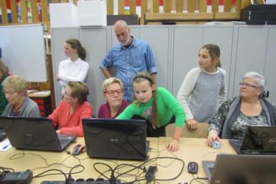 Iemand zonder computer kan geen mail sturen: Stad Turnhout maakt werk van digitale vaardigheden