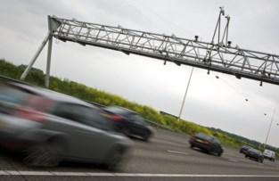 A12 richting Antwerpen vrijdagavond dicht in Ekeren voor asfalteringswerken