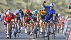 Raak voor Deceuninck - Quick-Step: Sam Bennett snelt naar ritwinst in UAE Tour na doodsaaie etappe