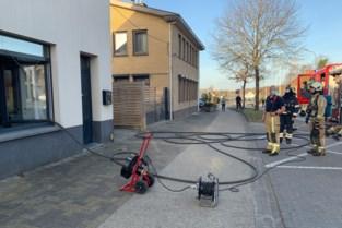 Brand in voormalig Liedjeskaffee in Genk veroorzaakt door wietplantage bij buren