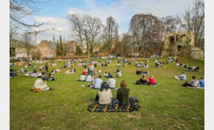 """Rust keert weer na drukke dagen in stadspark: """"De politie waakt en bijkomende maatregelen zijn niet nodig"""""""