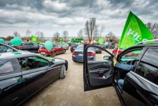 Drive-in-actie van vakbonden in Mechelen: vakbondsmilitanten zetten toeterend hun eisen kracht bij
