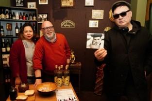 """Indonesisch restaurant Gado-Gado serveert eigen drankenmerk én lokale popmuziek: """"We mengen graag culturen en smaken"""""""