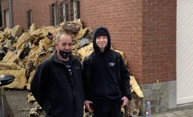 """Vorig jaar stierf zwangere moeder, nu zijn vader en acht kinderen dakloos na brand: """"Ene ramp na de andere, maar we moeten verder"""""""