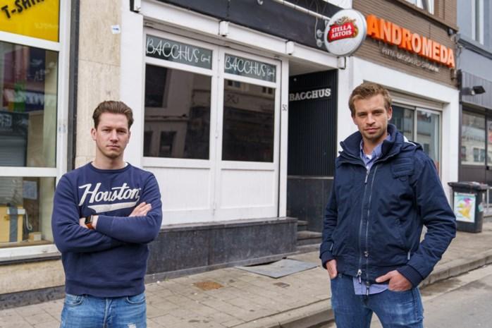 """Nieuw studentencafé in Overpoort: """"Eindelijk weer wat gasten met lef, zeggen de horecacollega's"""""""