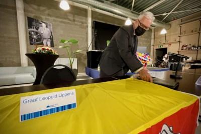 Eerste gemeenteraad zonder Leopold Lippens, met eerbetoon en symbolische lege stoel