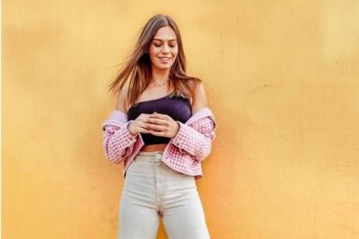 Maude (23) scoort 36 miljoen likes op TikTok en nu ook een eerste hit in Ultratop 50: ook Regi is fan