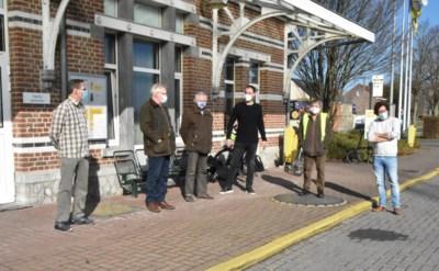 """Groen voert actie tegen afbouw van busaanbod in Pajottenland en Zennevallei: """"Inwoners nog meer naar de wagen geduwd"""""""