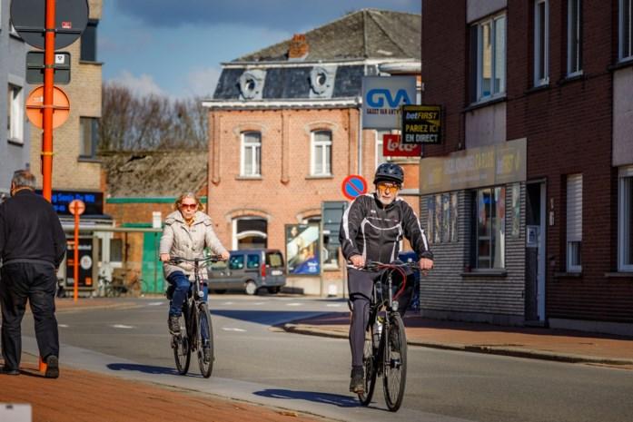 Stadsbestuur ziet geen meerwaarde in fietsstraat door Hombeeks dorpshart