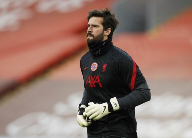 """Ondanks """"wanhopige"""" pogingen: Liverpool-doelman Alisson kan begrafenis van tragisch overleden vader niet bijwonen"""