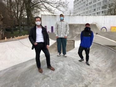 """Nieuw skatepark gebouwd door skaters, en er is nog meer op komst: """"Het boomt nu echt, dus we gaan er fors in investeren"""""""