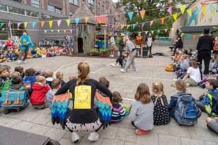 """Verdrievoudiging van aantal besmettingen in Gents secundair onderwijs: """"Code rood blijft"""""""
