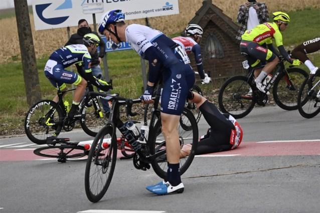 """Sep Vanmarcke valt meteen in Omloop Het Nieuwsblad, maar wordt toch nog derde: """"Die valpartijen zijn altijd mijn deel"""""""