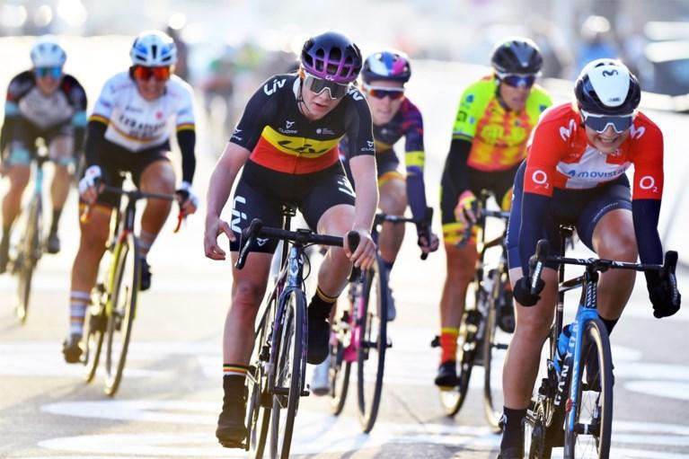 Wereldkampioene Anna van der Breggen soleert naar winst in Omloop Het Nieuwsblad voor dames