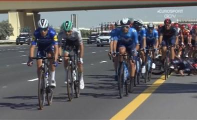 Adam Yates naar ziekenhuis na zware val in UAE Tour