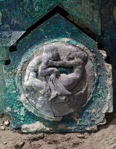 Triomfwagen met erotische afbeeldingen opgegraven in Pompeii