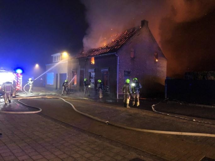 Woning in Noorderwijk brandt helemaal uit