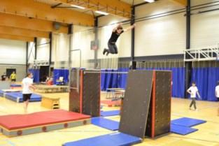 Gymclub leert kinderen tricks van parkour