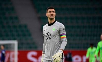 """Koen Casteels evenaart Thibaut Courtois en zijn club is dolenthousiast: """"Hij heeft een zeldzame aandoening"""""""