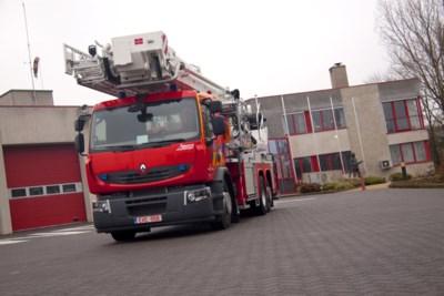 Houtvuur veroorzaakt brand in bijgebouw