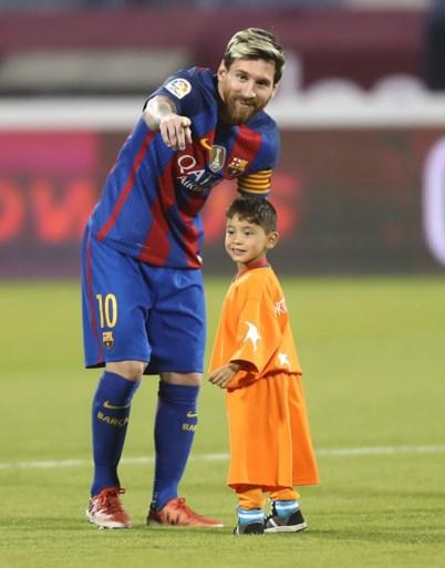 """Hoe een plastic zak het leven van 'Mini Messi' compleet verwoestte: """"Ik heb geen vrienden, maar ik zie hem liever dan mijn mama"""""""