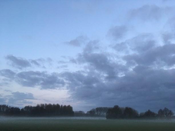 Wolken blijven lokaal lang hangen