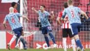 Ajax stapje dichter bij titel dankzij penalty in blessuretijd tegen PSV, jonge Belg valt op