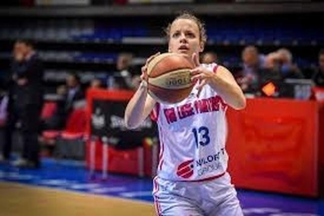 Straf: basketbalster Laura Henket scoort 50 punten zonder driepunter
