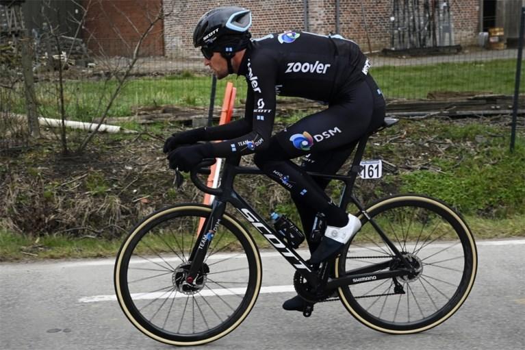 """Tiesj Benoot was slachtoffer van 'afkappers' bij opdraaien Molenberg tijdens de Omloop: """"Erger dan op een fietspad rijden"""""""