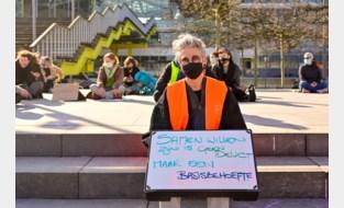 """Stil protest tegen aanpak lockdownfeestje: """"Er wordt te fel gereageerd"""""""