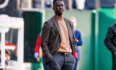 """Mbaye Leye is niet de eerste coach wiens wittebroodsweken voorbij zijn: """"Het beste is om elke zes weken van trainer te veranderen"""""""