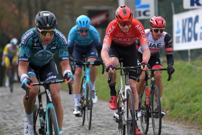 """Matis Louvel kroonde zich tot 'rode lantaarn' in Omloop Het Nieuwsblad: """"Ze gingen mij te voet voorbij op de Muur van Geraardsbergen"""""""