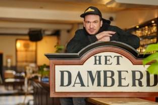 """Jonas (31) neemt legendarische café Damberd over: """"Je voelt dat hier veel gebeurd is"""""""