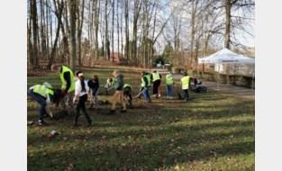 Schoolkinderen planten 185 extra inheemse bomen en struiken