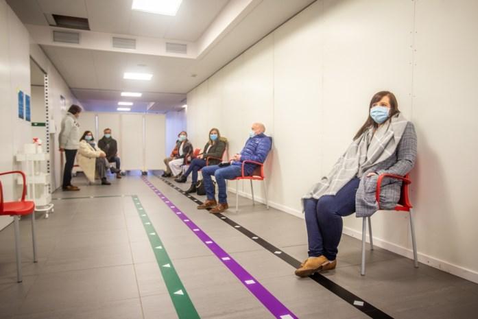 "Premier De Croo eist ""oorlogsmentaliteit"" van Europa: gesukkel met vaccins heeft lang genoeg geduurd"