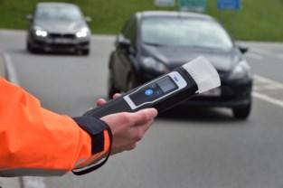 Politie zwiert meer dan 400 bestuurders op de bon