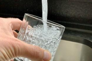 Pidpa spoelt leidingen na klachten over muf ruikend water