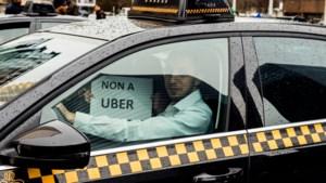 Uber-chauffeurs mogen smartphone niet meer gebruiken in Brussel
