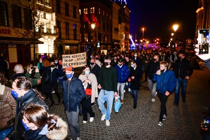 """Horeca protesteert in Antwerps stadscentrum: """"Geef ons perspectief"""""""