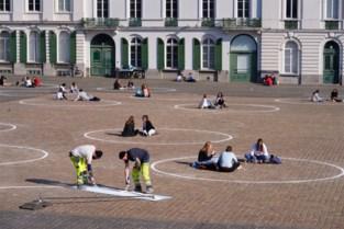 105 krijtcirkels aangebracht op Sint-Pietersplein: mogelijk meer maatregelen elders in Gent