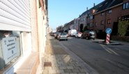 """Buurtbewoners protesteren tegen komst van twee bomen: """"Er is nu al geen plaats voor onze auto"""""""