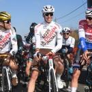 In het openingsweekend stonden Greg Van Avermaet en Oliver Naesen nog broederlijk samen aan de start, nu scheiden hun wegen.