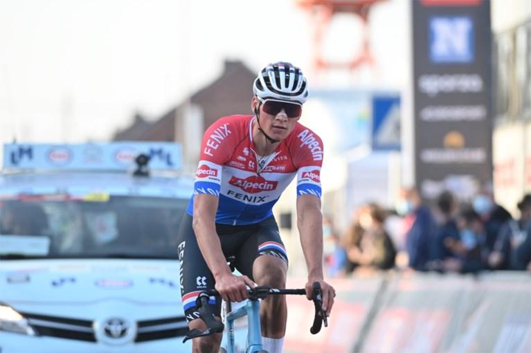 Tim Merlier maakt het voorbereidende werk van Mathieu Van der Poel af in GP Le Samyn