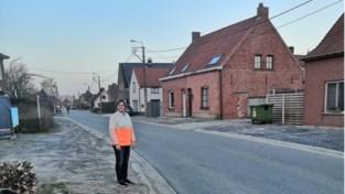Aanleg van voetpaden en parkeerzones op komst in Zaubeekstraat en Olsenestraat