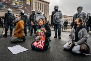 Unia wil zich burgerlijke partij stellen in zaak van politiegeweld tijdens betoging tegen klassenjustitie