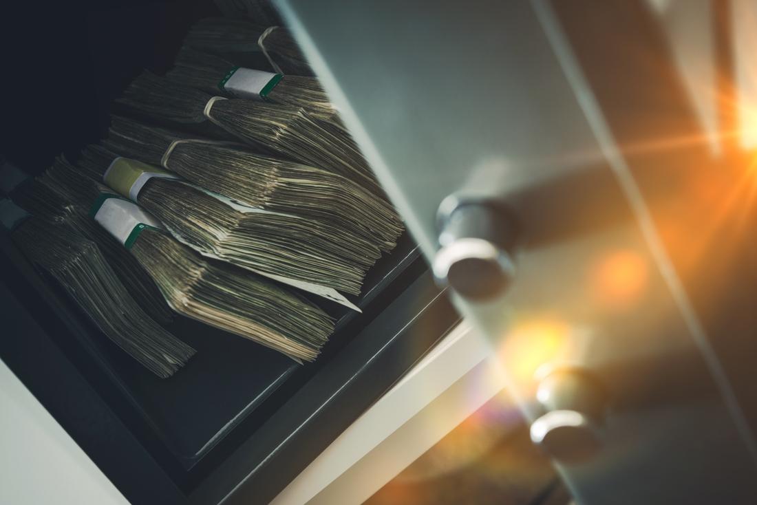 """1.400 euro aan drugsgeld """"verdwenen"""" uit politiecommissariaat in Menen"""