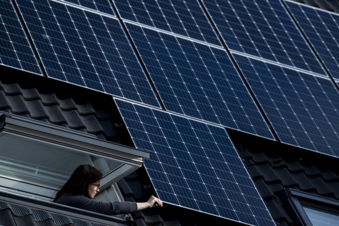 Kunnen eigenaars van zonnepanelen hun stroom binnenkort met buren of vrienden delen (en zo een deel van hun verlies goedmaken)?