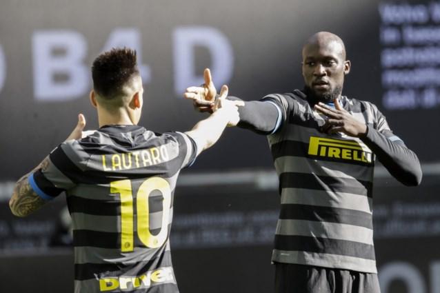 Man in bloedvorm: Romelu Lukaku scoort al na 32 seconden voor Inter na combinatie met zijn maatje Lautaro Martinez